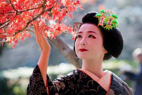 The Amazing Story Of The Japanese Geisha Yumi To Lesson Com